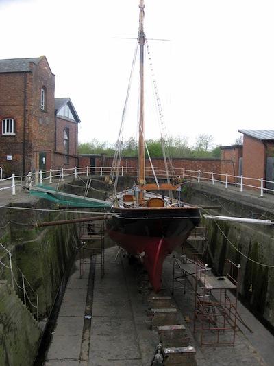 Uma dry dock em Gloucester, Inglaterra.